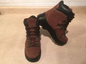 Women's Cougar Winter Boots Size 8 London Ontario image 8