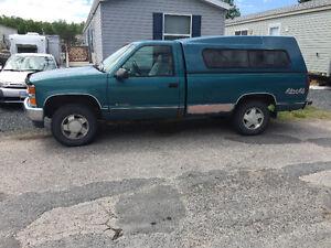 1998 Chevrolet C/K Pickup 1500 4/4 Pickup Truck
