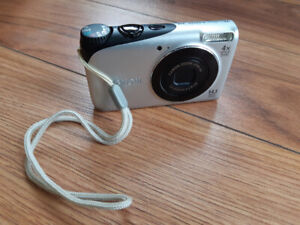 Canon Powershot A2200 HD with battery and charger