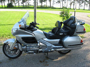 2005 GL1800a Gold Wing  - super sweet price!!! Kitchener / Waterloo Kitchener Area image 1