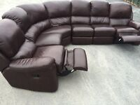 VERY LARGE LUXURY FULTONS FULL LEATHER CORNER SUITE RECLINER