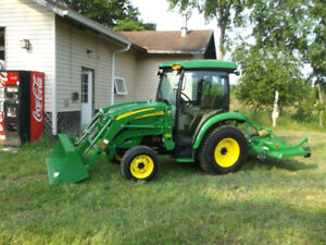 2010 John Deere 3320 Tractor with only 68hrs, like brand new.