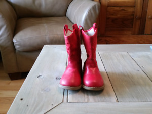Fall boots size 6 toddler