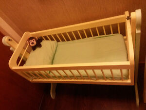 Cradle with accessories
