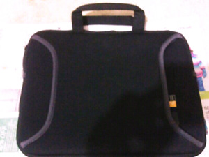 Case Logic Tablet Case/ Carry bag, 10 inch, New