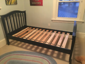 beautiful, solid wood, twin bed