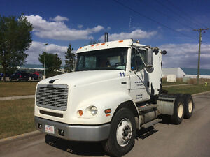 FREIGHTLINER 2003 WITH CAT MOTOR LOW KM