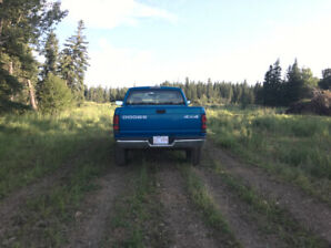 *Low KM* 1999 Dodge Ram 1500 4x4