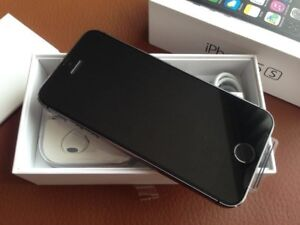 APPLE IPHONE 5S 16GB ORIGINAL NEW UNLOCK WITH THE ACCESSORIES