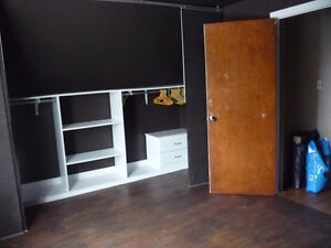 one room available in a three bedroom above grade house apt-aug