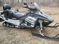 SKI-DOO GTX-800 LIMITED, 3 PLACES, MOTEUR NEUF XTRA-PROPRE
