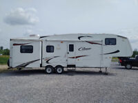 2010 Cougar 318SAB by Keystone (with Polar Package Plus) Peterborough Peterborough Area Preview