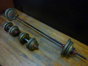 Adjustable iron barbell with dumbbells 222 lbs.