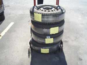 195/65R15 Pirelli Winter Carving Edge