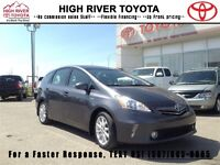 2012 Toyota Prius V LEATHER - MOONROOF - NAV!  - Accident Free -