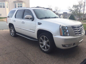 2007 Cadillac Escalade Loaded - only 155k