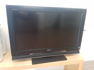 """32"""" Sony Bravia TV - 1080p with HDMI - Excellent Condition!"""
