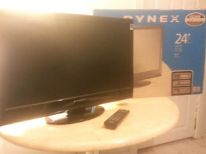 """《Dynex 24"""" 1080p LCD TV