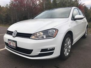 2016 Volkswagen Golf Comfortline Lease Takeover LOW KMS!