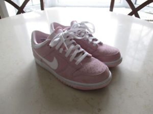 NEW Nike Air Force Running Shoes - youth 7Y = ladies 7.5