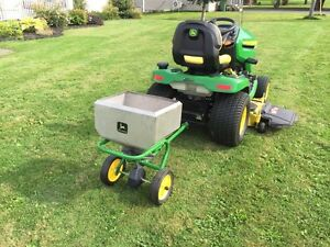 John Deere Fertilizer Spreader