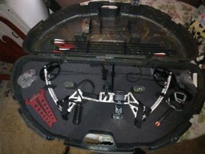 Top point compound bow