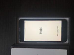 iPhone 8 64g new unused $650