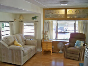 FOR SALE: park model with AZ room & w/d in Mesa 5* resort