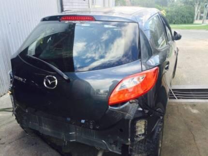 Wrecking Mazda 2 auto hatch 2012. 45,400 kms