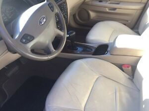 Active Status 2002 Ford Taurus Fully Loaded with Winter Tires