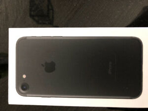 iPhone 7 /32Gb new in the box-650 nego