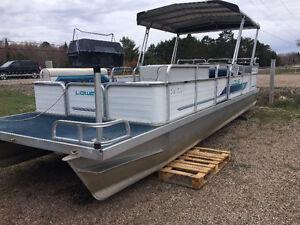24FT Pontoon Boat