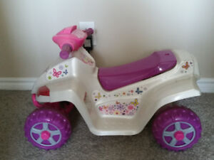 Kid trax 6v quad rated 18 months and up
