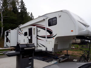 Fifth Wheel Terry 30 pieds 295RBHS 2008 très propre  17 800$
