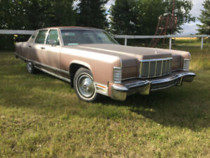 1976 Lincoln Continental Town Car in great condition