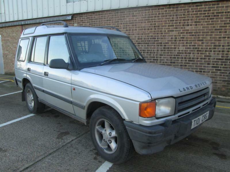 Land Rover Discovery Autotrader >> LAND ROVER DISCOVERY PETROL V8 AUTOMATIC SILVER | in Rochford, Essex | Gumtree