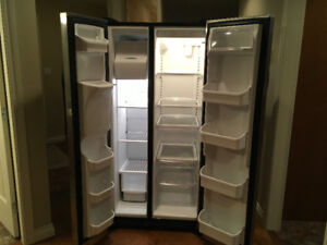22.6 cu.ft Frigidaire Side by Side