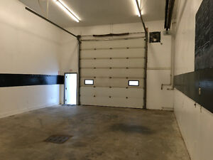 1000 sq ft warehouse space