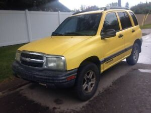 2005 Chevrolet Tracker 2.5L SUV, Crossover