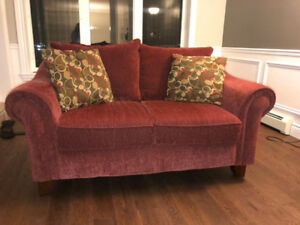 Love seat with 2 cushions