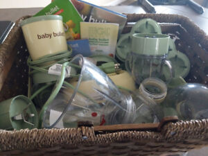Baby bullet, steamer , many accessories and recipe book.