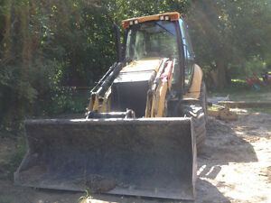 ***CAT 420F IT for sale, comes with lots attachment!!***