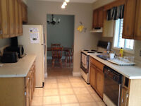 4 - 12 MONTH LEASE - Perfect for University of Guelph Students!