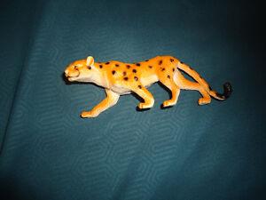 plastic cheetah toy figurine Kingston Kingston Area image 2