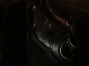 Very nice dress shoes (rockport)