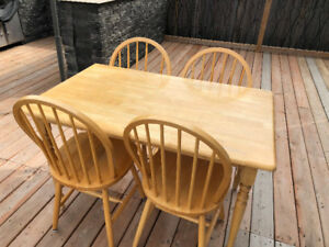 Breakfast Table With Chairs