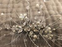 Wedding head comb with pearls and crystals