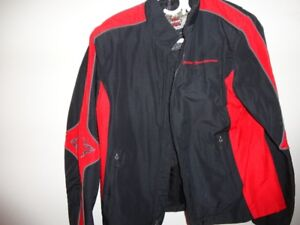 Manteau mince Harley Davidson, gr small, comme neuf