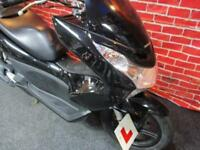 HONDA PCX 125cc WW125 TOP BOX FITTED