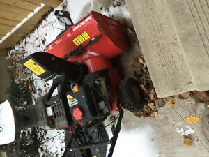 22 inch Working GAS snow blower Stratford Kitchener Area image 1